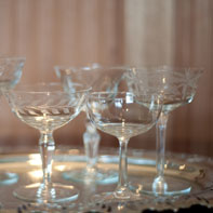 Champagne-Coupes-on-Tray